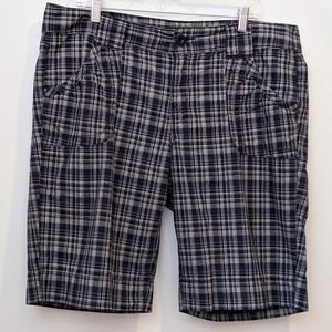 Calvin Klein navy blue plaid shorts sz 16